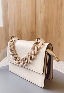 [수입] 바닐라 마블 숄더 백 30대여성쇼핑몰 결혼식하객패션 하객원피스 수입여성의류 원피스쇼핑몰 연예인원피스