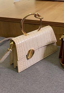 [수입] 심플럭셔리 꼬임 핸드 백 30대여성쇼핑몰 결혼식하객패션 하객원피스 수입여성의류 원피스쇼핑몰 연예인원피스