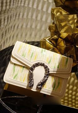 [수입] 그라데이션 스팽글 숄더 백 30대여성쇼핑몰 결혼식하객패션 하객원피스 수입여성의류 원피스쇼핑몰 연예인원피스