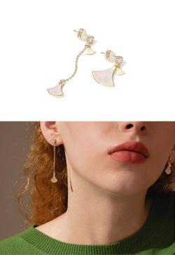 [수입] 은행잎 자개 귀걸이