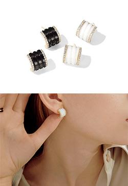 [수입] 스노프 하프 큐빅 귀걸이