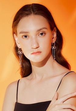 [수입] 쏠트 리본큐빅 귀걸이