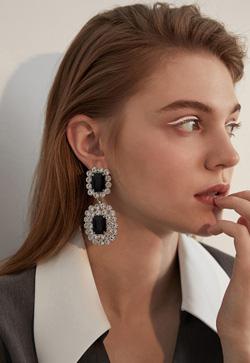 [수입] 쉬크 무드블랙 귀걸이 악세사리쇼핑몰 체인목걸이 이어커프 명품귀걸이 명품스타일