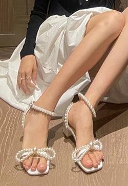 [수입] 구슬 진주더블 슈즈 30대여성쇼핑몰 결혼식하객패션 하객원피스 수입여성의류 원피스쇼핑몰 연예인원피스
