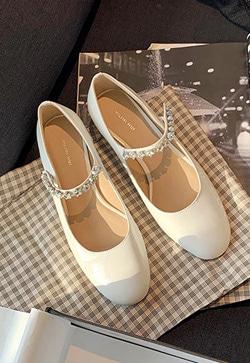 [수입] 별라인 캔디에나멜 슈즈 30대여성쇼핑몰 결혼식하객패션 하객원피스 수입여성의류 원피스쇼핑몰 연예인원피스