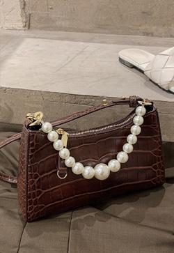 [수입] 반달모델 크랙 백 30대여성쇼핑몰 결혼식하객패션 하객원피스 수입여성의류 원피스쇼핑몰 연예인원피스