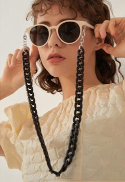 [수입] 소피 블랙체인 안경 줄 30대여성쇼핑몰 결혼식하객패션 하객원피스 수입여성의류 원피스쇼핑몰 연예인원피스