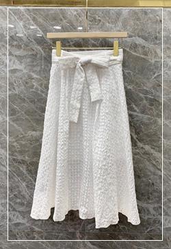 [수입] 벌집화이트 스커트 30대여성쇼핑몰 결혼식하객패션 하객원피스 수입여성의류 원피스쇼핑몰 연예인원피스