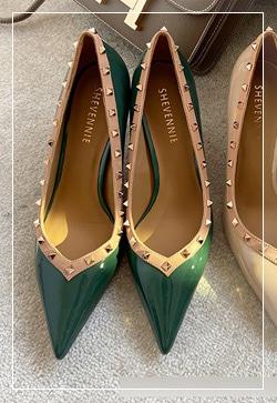 [수입] 밀라노 스타일 스터드 슈즈 30대여성쇼핑몰 결혼식하객패션 하객원피스 수입여성의류 원피스쇼핑몰 연예인원피스