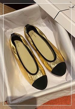 [수입] 골드실버 클래식 플랫 슈즈 30대여성쇼핑몰 결혼식하객패션 하객원피스 수입여성의류 원피스쇼핑몰 연예인원피스