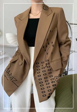 [수입] 스마일리 브라운 자켓 30대여성쇼핑몰 결혼식하객패션 하객원피스 수입여성의류 원피스쇼핑몰 연예인원피스