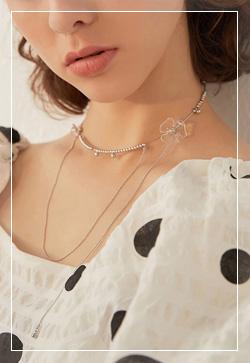 [수입] 아크릴 꽃쇄골 목걸이 악세사리쇼핑몰 체인목걸이 이어커프 명품귀걸이 명품스타일