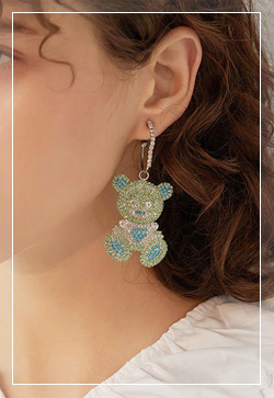 [수입] 곰돌이 큐빅칼라 귀걸이 악세사리쇼핑몰 체인목걸이 이어커프 명품귀걸이 명품스타일