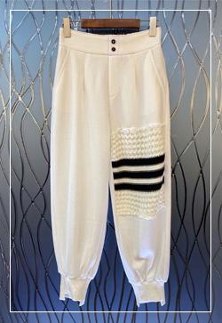 [수입] 니트패치 편안한 팬츠 30대여성쇼핑몰 결혼식하객패션 하객원피스 수입여성의류 원피스쇼핑몰 연예인원피스
