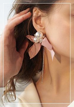 [수입] 매크로 진주리본 귀걸이 악세사리쇼핑몰 체인목걸이 이어커프 명품귀걸이 명품스타일