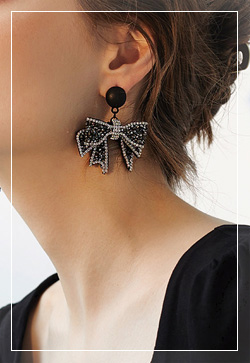 [수입] 오스틴 블랙리본 귀걸이 악세사리쇼핑몰 체인목걸이 이어커프 명품귀걸이 명품스타일