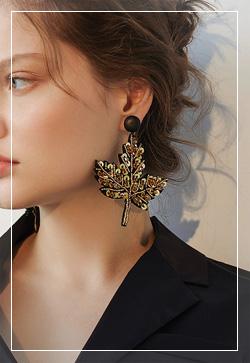 [수입] 머스크 낙엽스팽글 귀걸이 악세사리쇼핑몰 체인목걸이 이어커프 명품귀걸이 명품스타일