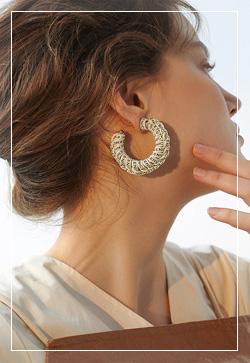 [수입] 벨리 알파벳묶임 귀걸이 악세사리쇼핑몰 체인목걸이 이어커프 명품귀걸이 명품스타일