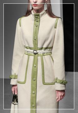 [수입] 스티치 그린라인 네크 코트 30대여성쇼핑몰 결혼식하객패션 하객원피스 수입여성의류 원피스쇼핑몰 연예인원피스