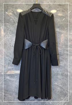 [수입] 블링다크 가죽로얄 원피스 30대여성쇼핑몰 결혼식하객패션 하객원피스 수입여성의류 원피스쇼핑몰 연예인원피스