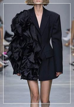 [수입] 모니카 블랙스완 자켓 30대여성쇼핑몰 결혼식하객패션 하객원피스 수입여성의류 원피스쇼핑몰 연예인원피스