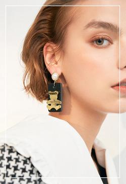 (수입) 골드베어 사각 귀걸이