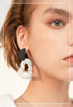 (수입) 레터링 하트 귀걸이