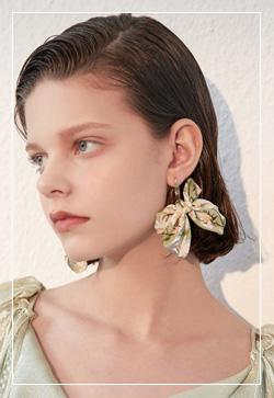 (수입) 하모니 플라워나비 귀걸이