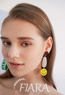 (수입) 달링 스마일 귀걸이