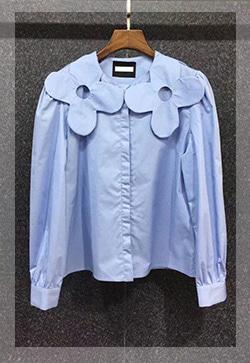 (수입) 꽃숄더 블루 솔리드 셔츠